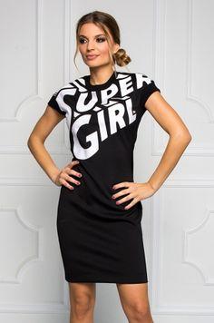 Štýlové šaty z COMICS kolekcie s nápisom