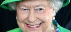 Queen Elizabeth II Photos - Queen Elizabeth II smiles as she visits the Glasgow National Hockey Centre to watch the hockey during day one of Commonwealth Games on July 2014 in Glasgow, Scotland. - Arrivals at the Commonwealth Games Manchester, Commonwealth Games, How Many Kids, Royal Engagement, First Girl, Queen Elizabeth Ii, Old Women, Compliments, Portrait