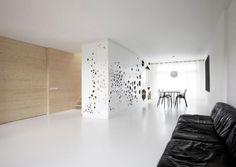 moderne wohnung renovierung pur weiß pinienholz verkleidung küche