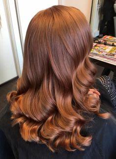 Hair Color Auburn, Red Hair Colour, Hair Colors, Brown Auburn Hair, Front Hair Styles, Hair Front, Copper Hair, Copper Red, Moisturize Hair