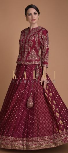 Explore from latest collection of lehengas online. Shop for lehenga choli, wedding lehengas, chaniya choli, ghagra choli & designer lehengas in variety of colors. Indian Wedding Gowns, Indian Bridal Lehenga, Indian Bridal Outfits, Indian Bridal Fashion, Red Lehenga, Wedding Dresses, Rajasthani Lehenga Choli, Anarkali, Indian Dresses For Women