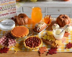 Perfect for your fall or Thanksgiving baking scene, this mini set comes with a pecan pie, a maple loaf topped with chopped pecans and a