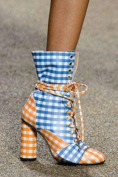 House of Holland, Spring 2017 - London's Fab Runway Footwear for Spring 2017 - Photos The Best of shoes trends in 2017.