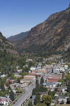 Life's a little more relaxed in Ouray, which is perhaps due to the non-sulphur hot springs that are . Cinque Terre, Places To Travel, Places To Visit, Ouray Colorado, Looks Kylie Jenner, Florida Holiday, Small Town America, North America, Living At Home