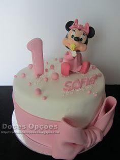 Doces Opções: Bolo de 1º aniversário bebé Minnie Disney, Desserts, Food, Decorating Cakes, Sweets, Bebe, Tailgate Desserts, Deserts, Essen