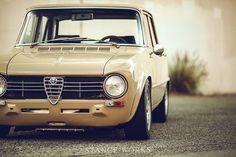 Alfa Romeo's Sports Sedan is a Future Classic: HagertyThe 2017 Alfa Romeo Giulia Quadrifoglio has Garage Furniture Design, Car Part Furniture, Automotive Furniture, Automotive Decor, Classic Sports Cars, Classic Cars, Singer Vehicle Design, Small Luxury Cars, Mechanic Garage