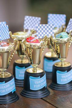 trofeos pintados para nombres?