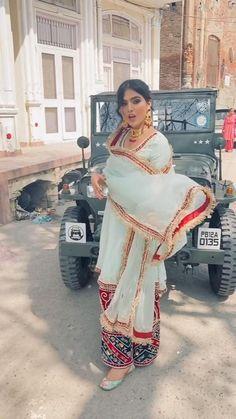 Indian Fashion Dresses, Dress Indian Style, Indian Designer Outfits, Stylish Suit, Stylish Dresses, Party Wear Maxi Dresses, Punjabi Designer Boutique, Bridal Suits Punjabi, Indian Dresses Traditional