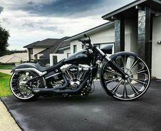 Harley Davidson News – Harley Davidson Bike Pics Harley Davidson Custom Bike, Harley Davidson Chopper, Harley Davidson Motorcycles, Custom Motorcycles, Vrod Harley, Harley Bikes, Custom Street Bikes, Custom Bikes, Moto Fest