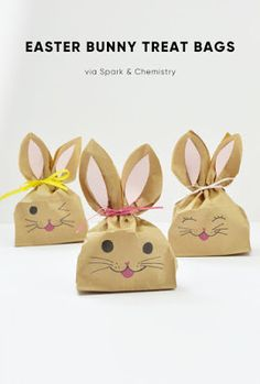 Make these simple Easter bunny treat bags to give to the kids at your Easter party. This Easter craft takes minutes to make and the kids can help too! Bunny Party, Easter Party, Bunny Crafts, Easter Crafts For Kids, Diy Easter Bags, Easter Templates, Easter Printables, Party Printables, Treat Bags