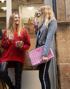 funda-portatil-rosa-tweed-8 Unisex, Pretty In Pink, Tweed, Street Style, Notebook Covers, Urban Style, Street Chic, Street Styles, Fashion Street Styles
