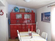Le triste buffet rétro relooké en rouge - Du rouge, du rouge, du rouge... - Vous avez relooké un meuble