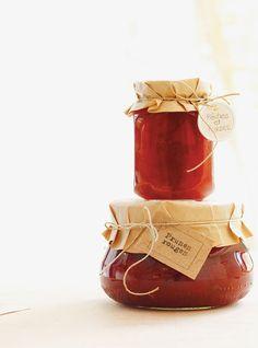 Ricardo's Recipe : Peach and Strawberry Jam Pressure Cooker Applesauce, Plum Jam Recipes, Lemon Marmalade, Ricardo Recipe, Coconut Peanut Butter, Red Plum, Strawberry Jam, Spice Blends, Love Food