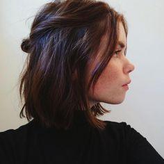 """3,370 curtidas, 12 comentários - Dia de Beauté por Vic Ceridono (@diadebeaute) no Instagram: """"Preso torcidinho super simples e charmoso, fica lindo em todos os comprimentos e texturas de cabelo…"""""""