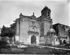 Los invitamos a dar un recorrido por Coyoacán, un antiguo barrio de la Ciudad de México, que remonta sus orígenes a 1332. Les dejamos un interesante video sobre la historia de este bello, histórico y tradicional lugar. Dé cilc en la liga:   http://relatosehistorias.mx/numero-vigente/recorrido-por-coyoacan