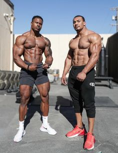 Simeon Panda Workout, Gym Workouts For Men, Thing 1, Handsome Black Men, Compression Shorts, Guy Pictures, Male Physique, Under Armour Men, Powerlifting