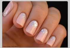 Nails : nude color with glitter