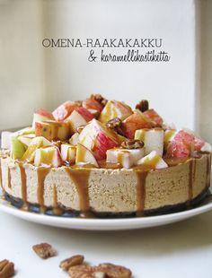 Apple raw cake with caramel sauce Raw Food Recipes, Cooking Recipes, Raw Cake, Raw Desserts, Eat Dessert First, Vegan Baking, Healthy Treats, Raw Vegan, Yummy Cakes