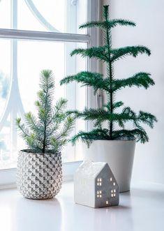 Christmas into Winter decor Primitive Christmas, Noel Christmas, Modern Christmas, Scandinavian Christmas, Christmas 2019, Christmas And New Year, Winter Christmas, Christmas Crafts, Xmas