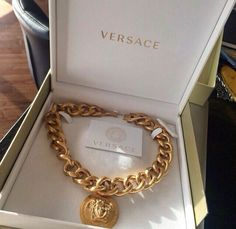 Chic - latest designer trends, high fashion accessories on We Heart It Diamond Jewelry, Gold Jewelry, Jewelery, Jewelry Accessories, Fashion Accessories, Baby Accessories, Jewelry Necklaces, Versace Necklace, Versace Jewelry