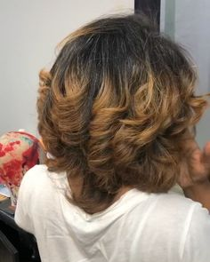 Natural hair blowout full of body and curls by Undercut Long Hair blowout body curls Full Hair hairbykiyagee Natural Pressed Natural Hair, Dyed Natural Hair, Dyed Hair, Colored Natural Hair, Natural Hair Highlights, Curly Hair Styles, Natural Hair Styles, Blowout Hair, Hair Laid