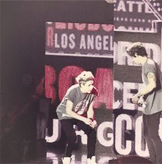 Remember when Niall threw confetti in the air and Harry danced in it (gif)