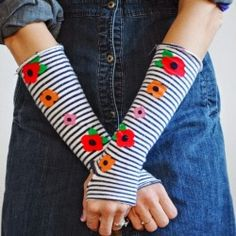 These arm warmers take less than a half hour to make. Easy DIY.