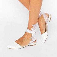 These shoes are so adorable! They would be perfect for an outdoor spring wedding. #rusticwedding #weddingplaning #weddingideas #weddingidea #weddingfun #weddingshoes #weddingday #weddinginspiration #weddingdetails #weddingshoe Wedding Flats, Bridal Flats, Bridal Footwear, Wedding Jewelry, Bridal Fashion Week, Bride Shoes, Bridal Accessories, Ballet Flats, Lace Flats