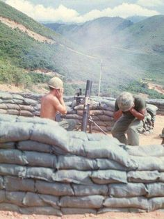 These 40 Rarely Seen photos sum up the devastating 20 years of the Vietnam War Vietnam War Photos, North Vietnam, Vietnam Veterans, Military Photos, Military History, American War, American History, Vietnam History, Special Forces