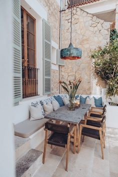 This townhouse in sunny Mallorca is not intended for a beach holiday, as many would think about a property in this famous Spanish resort. The house allows ✌Pufikhomes - source of home inspiration Painting Wooden Furniture, Rustic Furniture, Home Furniture, Outdoor Furniture Sets, Antique Furniture, Modern Furniture, Furniture Layout, Garden Furniture, Furniture Ideas