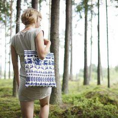 SAANA JA OLLI - Yö metsässä Canvas bag by weecos.com #design