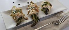 Involtini di palamide con asparagi in vinaigrette speziata agrodolce