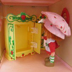 Wardrobe armoire closet for Strawberry Shortcake Berry Happy Home