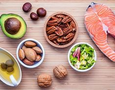 Herbalife Nutrition: 10 Heart-Healthy Foods Your Body Will Love. February is National Heart Health M Heart Healthy Recipes, Paleo Recipes, Healthy Foods, Healthy Heart, Keto Foods, Healthy Choices, Omega 3, Nutrition Club, Nutrition Tips