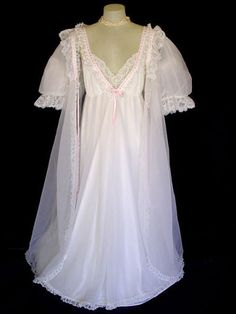 A gorgeous vintage bridal Fairy Tale set by Dreamaway. What dreams are made of! Perfect for a trousseau or a special occasion. Lots of ruffles, lace & pin