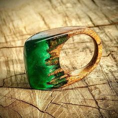 Size 7 Wood Resin Ring Emerald Green