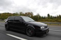 Like holy shit my first dream car 😱😱😍😍😍 I'm in love for good ahahaha Vw Mk4, Vw Golf Mk4, Volkswagen Golf, Golf Painting, Golf 4, Car Engine, Jdm Cars, Car Manufacturers, Amazing Cars