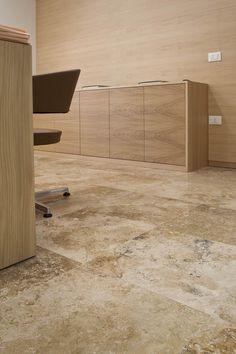 CHIANTI BANCA  Pavimentazione per ufficio in travertino pdr013 fornito da PDR srl  www.pietredirapolano.com