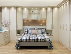 Stylish Fitted Bedroom Furniture Offering High Utility - Interior Design Ideas & Home Decorating Inspiration - moercar Large Living Room Furniture, Fitted Bedroom Furniture, Fitted Bedrooms, Bedroom Wardrobe, Home Bedroom, Master Bedroom, Wardrobe Closet, Master Suite, Bedroom Wall Decor Above Bed