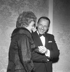 Frank Sinatra and Lucille Ball at the Screen Producers Guild Awards in 1962.