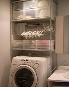 Storage and hangers above the laundry machine. From MUJI. Laundry Room Storage, Laundry Room Design, Laundry In Bathroom, Storage Spaces, Laundry Area, Small Laundry, Casa Muji, Muji Haus, Diy Interior