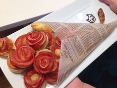 "Pinners in Japan are loving these ""Rose Pies"" made of apples. Beautiful and delicious. Sweets Recipes, Baking Recipes, Desserts, Broccoli Recipes, Rib Recipes, Tofu Recipes, Roast Recipes, Noodle Recipes, Steak Recipes"