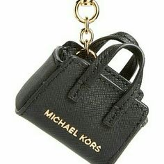 MK Dillon Keychain Gold hardware, black leather. Michael Kors Accessories Key & Card Holders