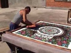 how Pavloposad shawls are made