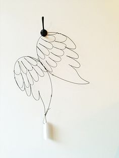 De Beaux Souvenirs has just arrived at the Leuie shop! Such sweet wings to hang on the wall, suspend from the ceiling, or even wear! (soon to be available online as well)