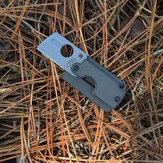 Spyderco Dog Tag Folder Generation 4 SC188ALP. Lightweight and ready t,  #dogtags #folder #neckknives #sc188alp #spydercoknives