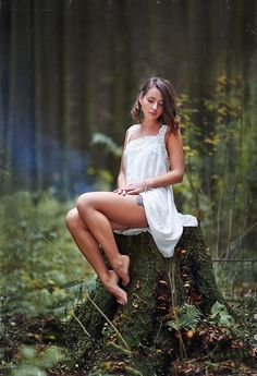 Forest Photography, Photography Poses Women, Outdoor Photography, Girl Photography, Shooting Photo Boudoir, Shotting Photo, Foto Blog, Girl Poses, Photo Poses
