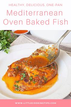 How to cook an easy and affordable dish with fish? This Mediterranean oven baked fish with tomato sauce and paprika is exactly what you need with step by step instructions. Cod Fish Recipes, Oven Recipes, Steak Recipes, Sauce Recipes, Baked Swordfish, Swordfish Recipes, Fish Steak Recipe, Tomato Sauce Recipe, Oven Baked Fish