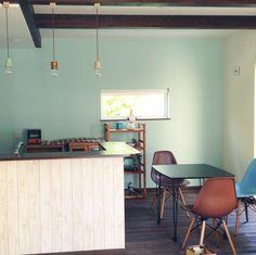 cocoaさんの、色壁,梁,無垢材の床,引越し準備中,狭小マイホーム,リビング,のお部屋写真