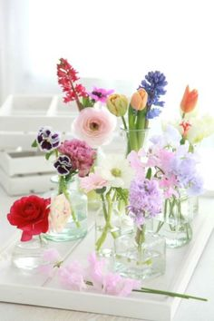 Spring-Flower-Arrangements-Table-Centerpieces-And-Mothers-Day-Gift-14 - family holiday.net/guide to family holidays on the internet